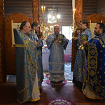 2017 11 04 Priests hold Holy Bowls, Cross and Candles