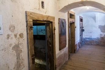In de toren bevinden zich ook de voormalige celblokken.
