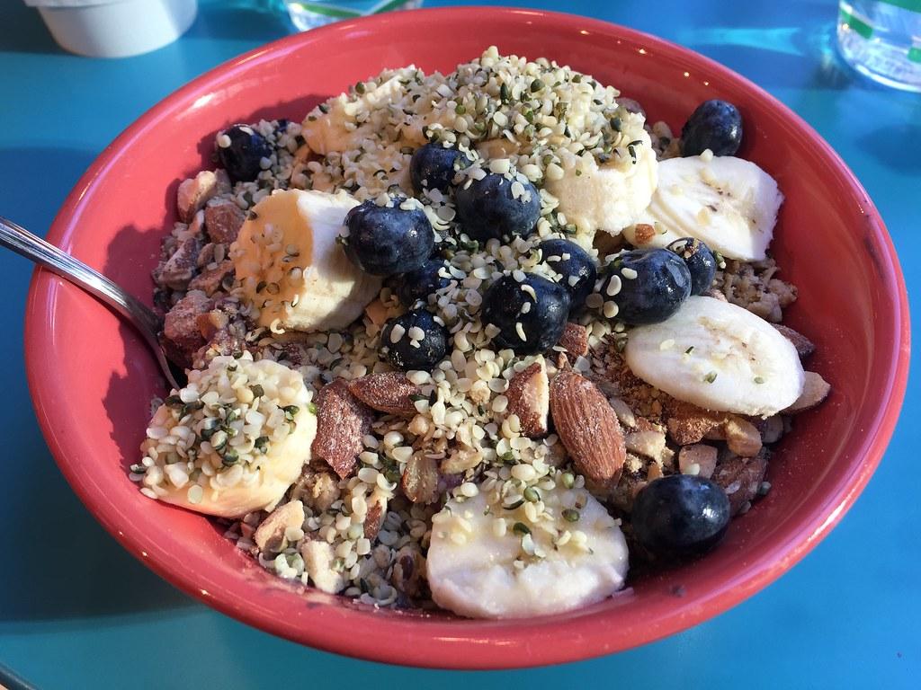 38860259384 8d24910baa b - Vegan breakfast bowl   een heerlijk recept