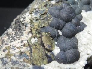 Mineral: Tennantita con Calcopirita