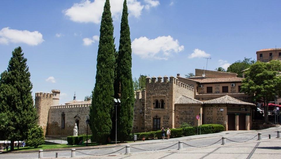 Palacio de la Cava Plaza de San Juan de los Reyes Toledo 01