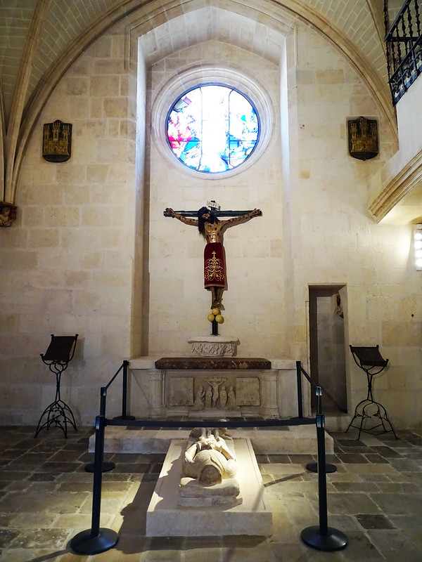 Catedral de Burgos Capilla del Corpus Christi estatua yacente de Garcia Fernandez de Castellanos 2