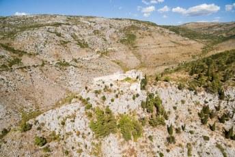 Daarna reden we door naar Mostar, onderweg passeerden we o.a. dit kasteel.