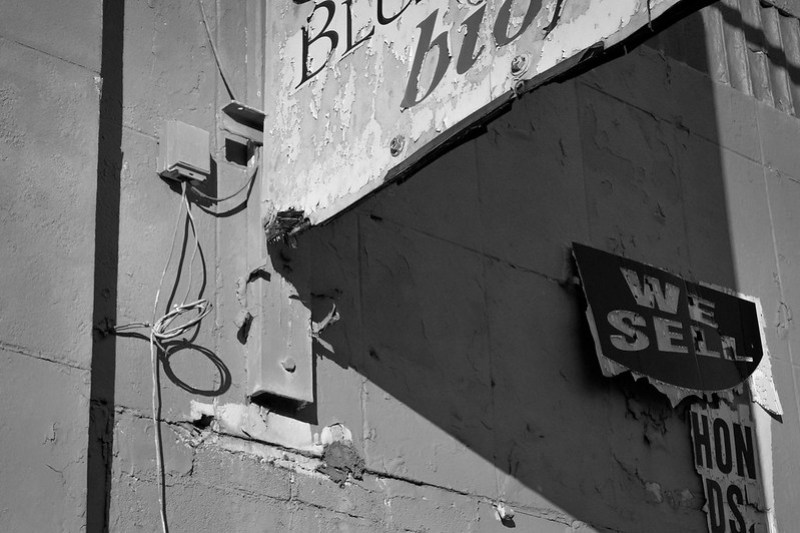 commercial signage, architectural facade, urban decay, Gas Up service station, West Asheville, North Carolina, Nikon D3300, nikon nikkor 55mm f-3.5, 12.26.17