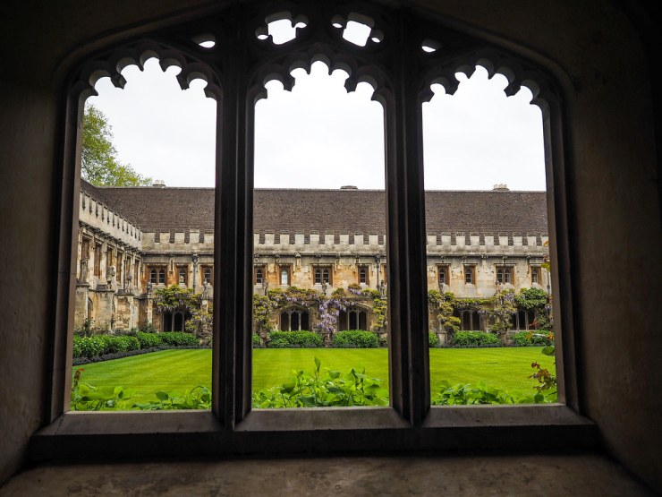 Oxford, England is a gorgeous town with the added bonus of having the oldest university in the English speaking world. Here's a visual guide to exploring the city! #oxford #england #unitedkingdom