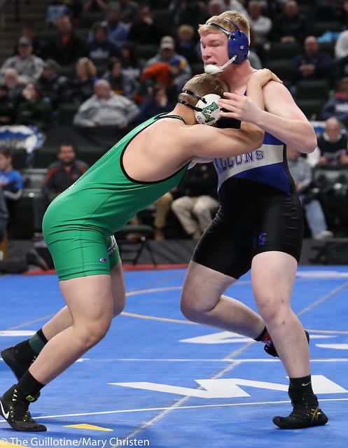 Semifinal - Mitch Trigg (Foley) 47-3 won by decision over Chase Liestman (Litchfield) 38-9 (Dec 5-2). 180303AMC5482