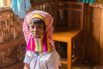 een lid van het Karen volk dat zich verzet tegen de militaire junta in Myanmar. De meesten wonen in de Kayin provincie en hebben inmiddels vrede gesloten