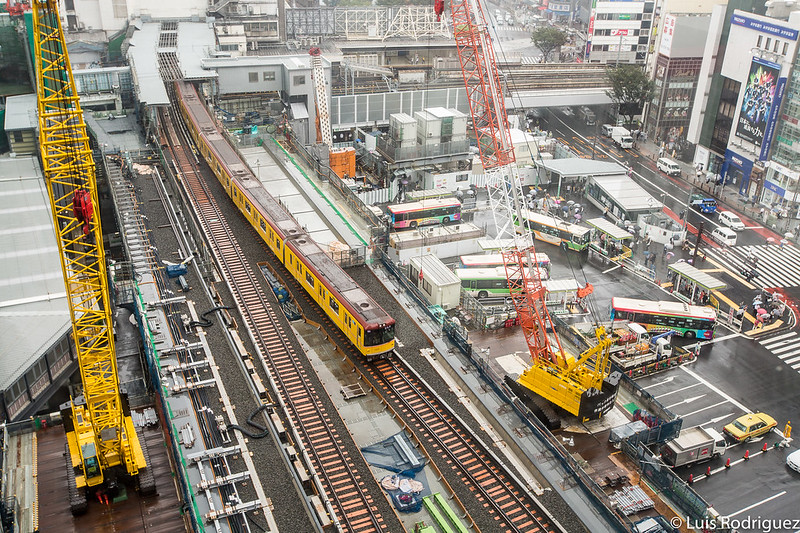 Trenes y obras alrededor de la estación