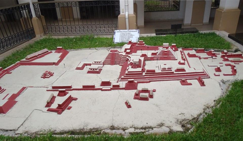 Maqueta del sitio arqueologico Maya de Copan Honduras 03