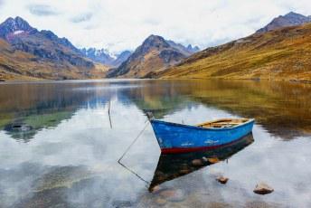 Na Lima ging ik naar Huaráz, en op excursie naar Chavín de Huantar. Onderweg stopten we even bij dit meer, Laguna Querococha.