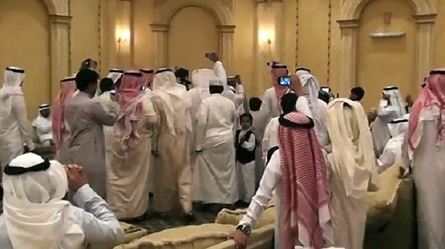 2100 Ex-Boyfriend exposes Saudi bride's intimate pictures on her wedding night 01