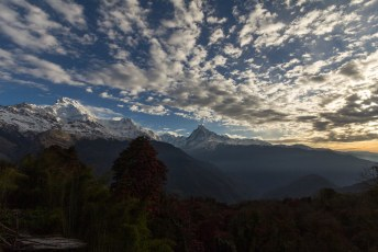 's Morgens weer vroeg op pad, en veel dalen zodat we daarna weer veel konden klimmen.