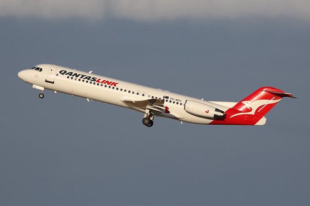 VH-NPU QantasLink Fokker 100