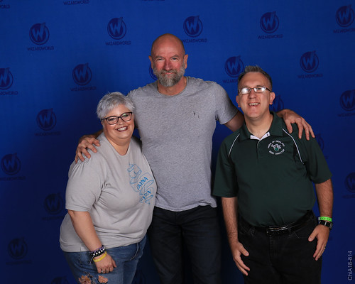 Throwback Thursday to when we meet Dougal Mackenzie...I mean Scrooge McDuck...or is it Dwalin?  Graham McTavish was very gracious and it was a wonderful experience meeting him.