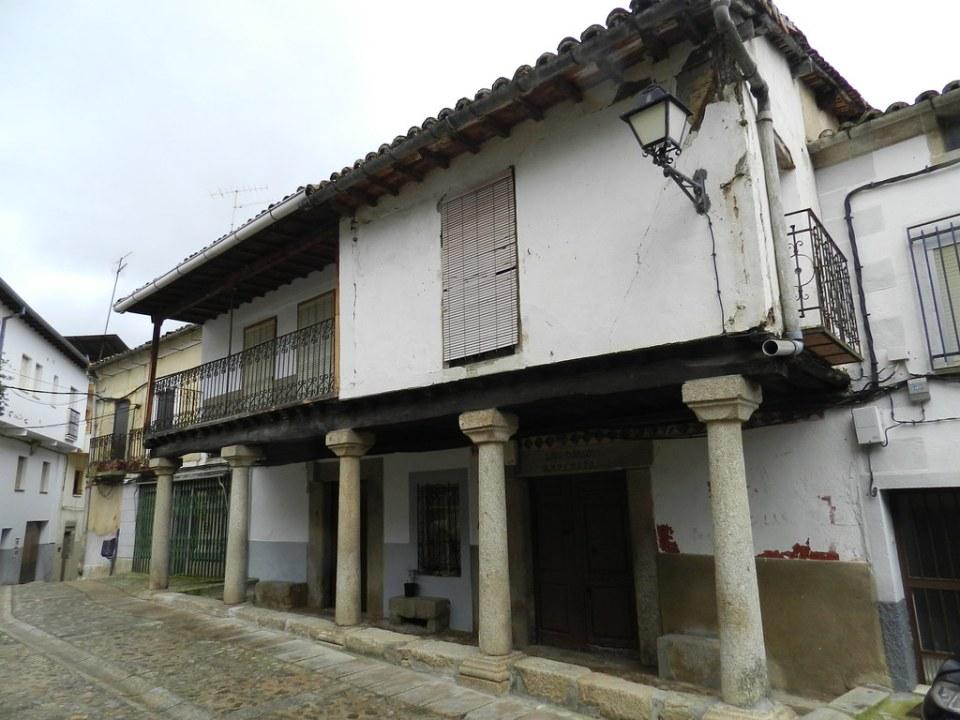 casas Plaza de Juan de Austria Cuacos de Yuste Caceres 08
