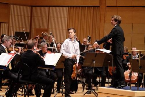 Johan Dalene lyssnade in medmusikanterna i SON mellan sina egna insatser