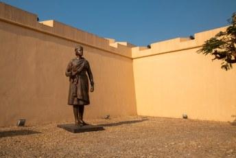 Blijkbaar lieten de Angolezen hun vrouwen het vuile werk opknappen.