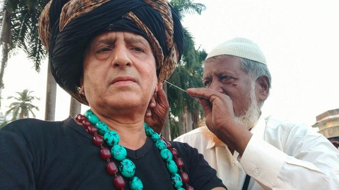 Mehboob Shaikh Ear Cleaner Bandra Talao | Shaikh Mehboob was… | Flickr