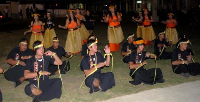 I Fanlalai'an Members Performing