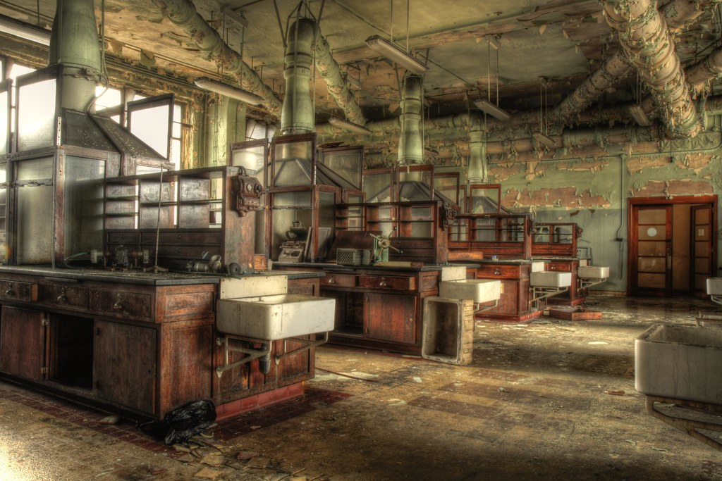 Chemlab In Decay The Old Chemistry Lab University De