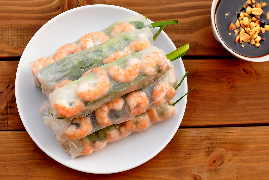 Goi Cuon - Vietnamese Salad Rolls with Pork and Shrimp