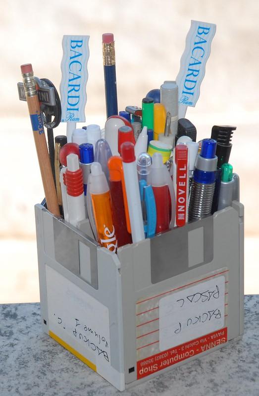 Portamatite di floppy / Floppy pen holder