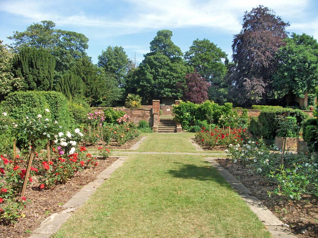 Orpington Priory Gardens