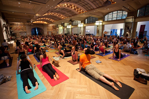 ROM Yoga
