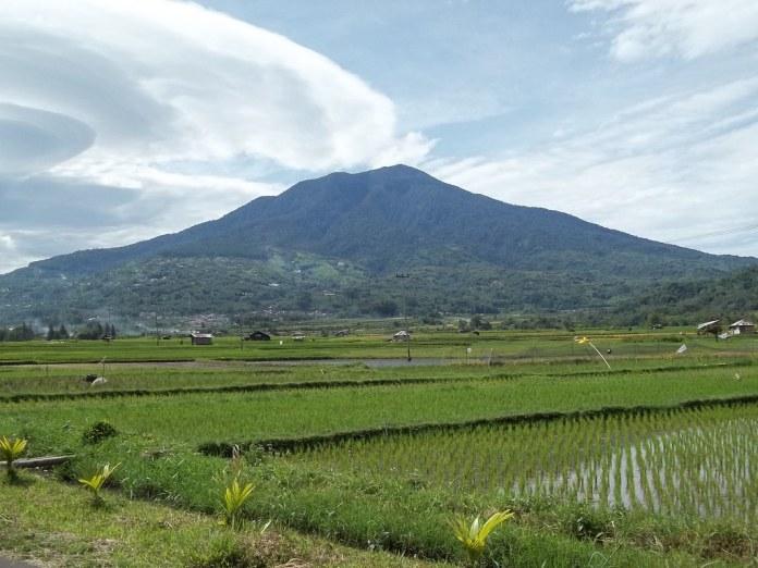 Gunung Singgalang Bukit Tinggi | Dilihat dari Koto Gadang ...