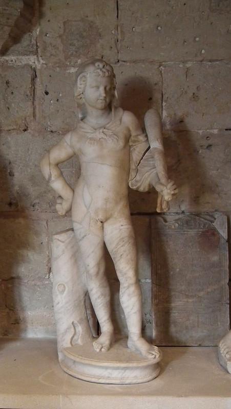 estatua Hercules niño escultura romana Museo Castillo Bellver Palma de Mallorca 08