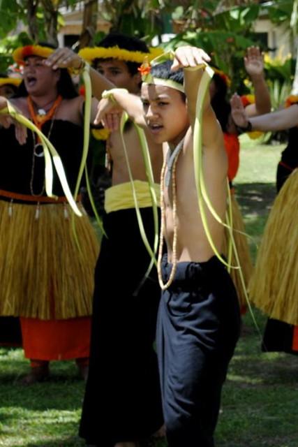 I Fanlalai'an Members Perform