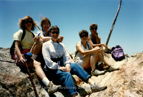 P008.133m.r.t Oakzanita Peak 1986: group photo on top of peak