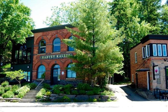 Edificios en Huntsville, Ontario, Canadá