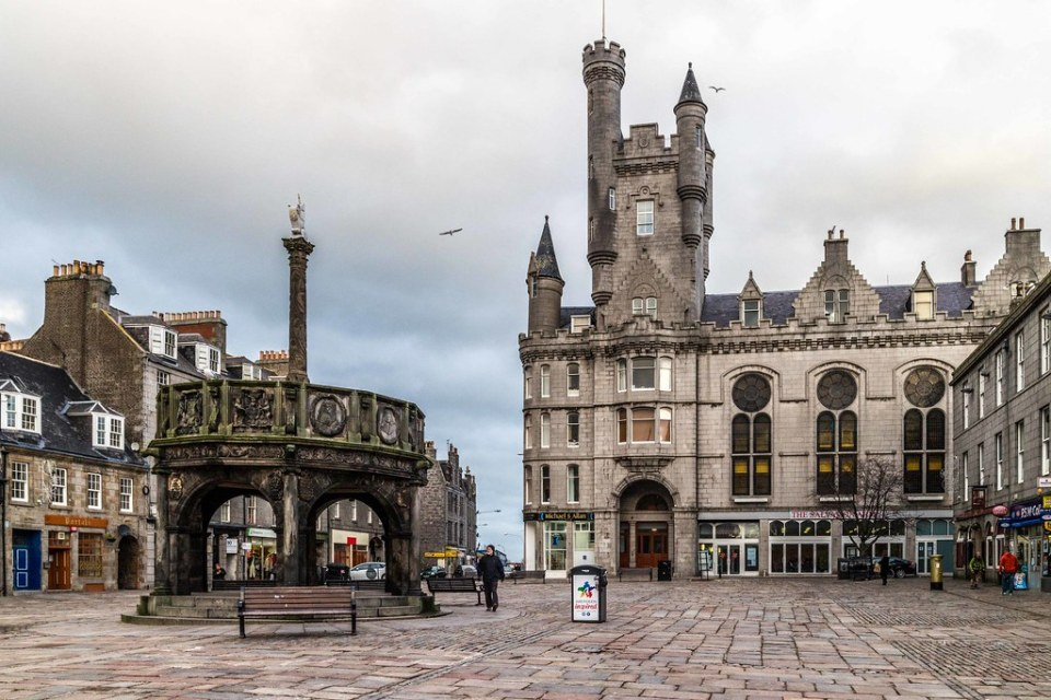 Castlegate, Aberdeen | Mercat Cross and Citadel. Why did the… | Flickr