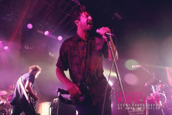 Young The Giant - Commodore - Oct 26 (44)