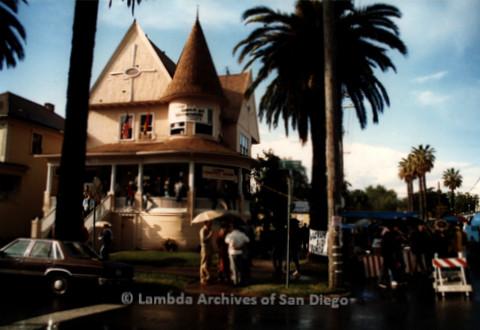 P019.396m.r.t March on Sacramento 1988: Crowd gathered at the Sacramento Lambda Community Center