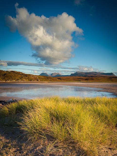 Beinn an Eòin and Beinn Mhòr Chòigich from the dunes at Achnahaird Beach