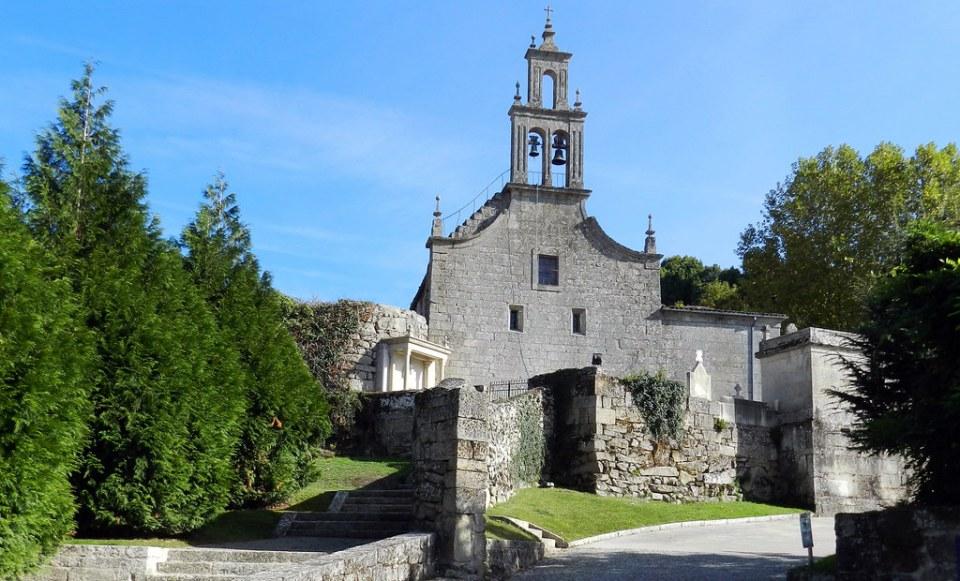 Iglesia y cementerio Santa Maria de Vilanova Allariz Orense 01