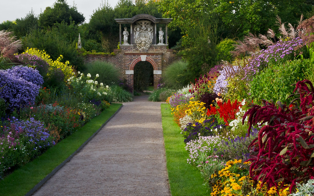 Last Of The Summer Flowers Nymans Garden Sussex Uk Flickr