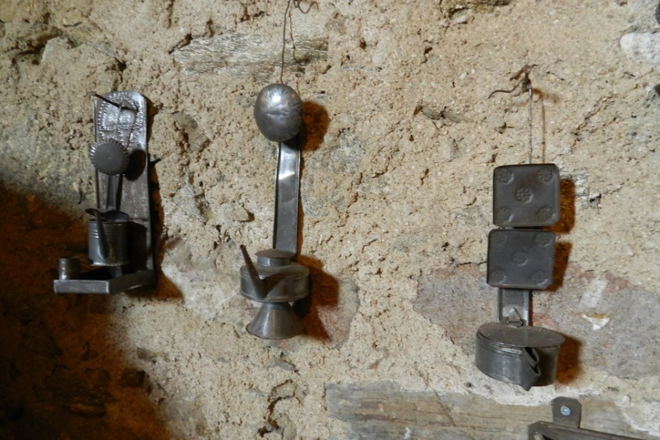 Candil lampara de aceite Museo del Aceite San Felices de los Gallegos Salamanca 22