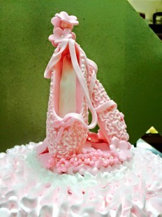 heels on birthday cake