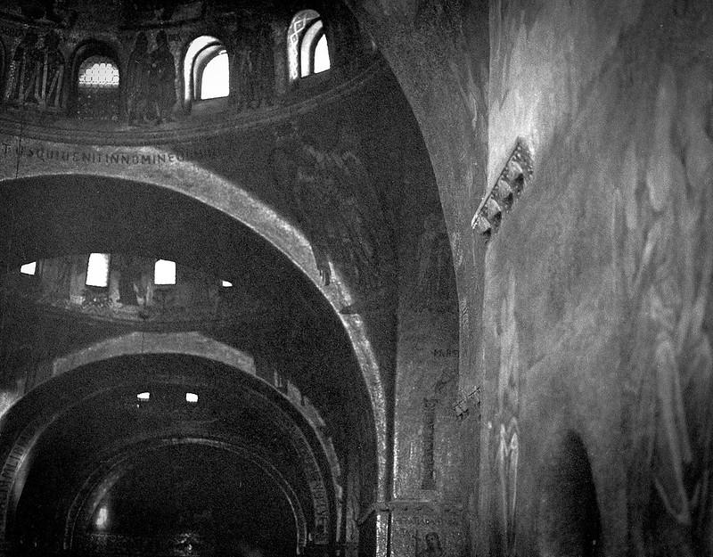 interior, Basilica San Marco, Venice, Italy, Mamiya 645 Pro, mamiya sekkor 80mm, Fomapan200, Moersch Eco Film Developer, November 2016