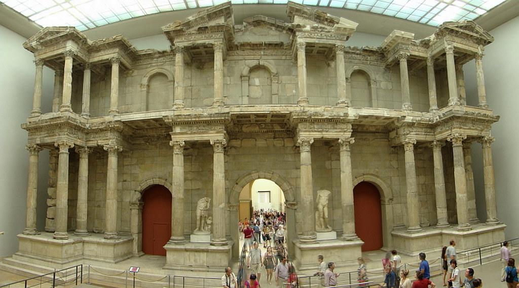 Puerta del Mercado de Mileto arte romano Museo Pergamo Berlin Alemania