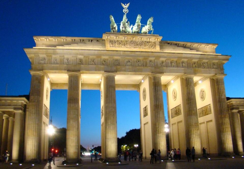Berlin Puerta de Brandemburgo Alemania 08