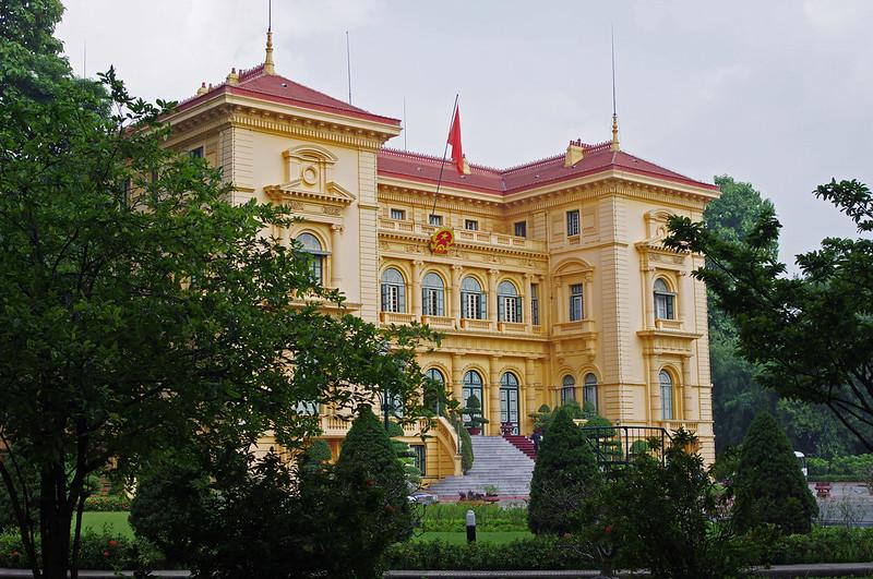 presidential palace of hanoi