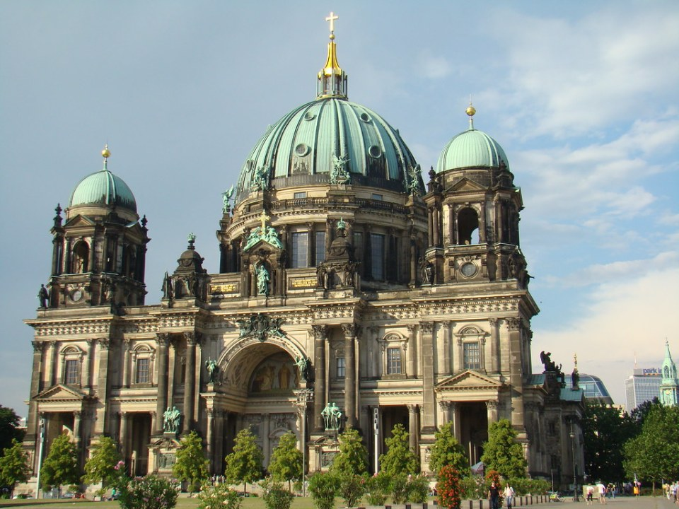exterior Catedral de Berlin Luterana Alemania 03