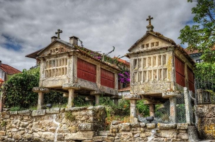 Hórreos, Combarro (Galicia), HDR   An hórreo is a granary bu…   Flickr