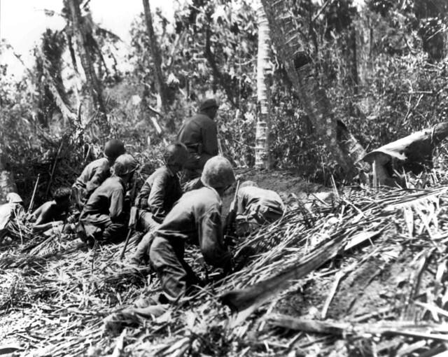 Marines Advace, 1944