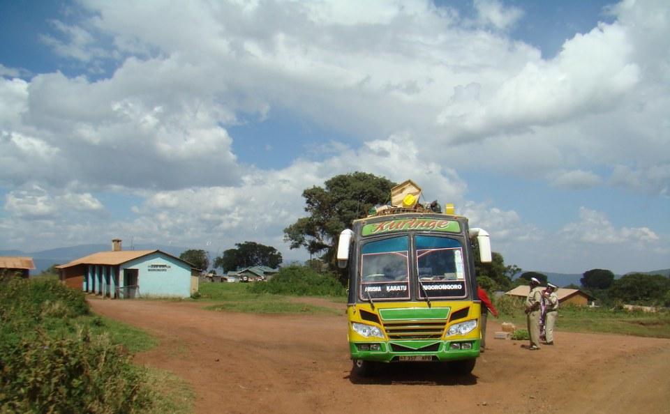autobus Medios de transporte Tanzania 04