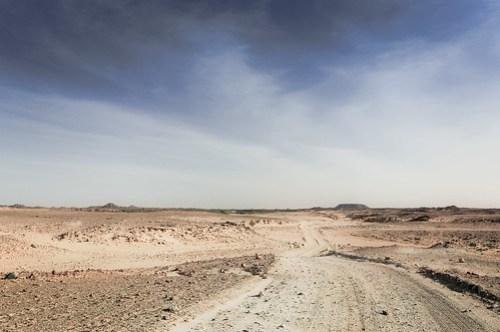 Cycling the Nubian desert